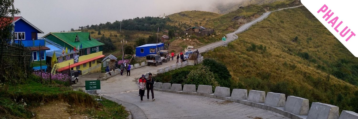 4X4 wheeler is only available at Sandakphu tourist teritory.
